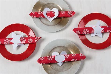 weihnachtliche servietten falten weihnachtliche serviettenringe basteln weihnachten serviettenring basteln servietten und