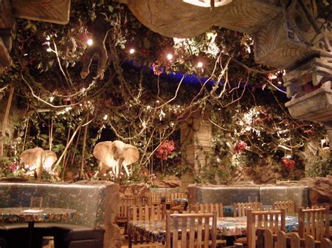 10 Crazy Theme Restaurants In NJ