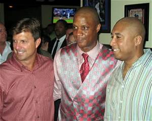 Darryl Strawberry's Sports Grill grand opening a star ...