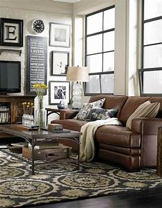 Decorating around a brown couch decorating around brown for Decorating living room with brown leather couch