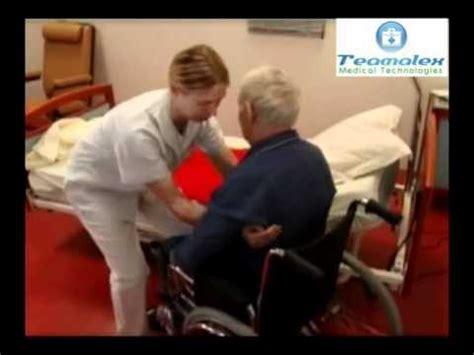 chaise de transfert planche de transfert teamalex du lit au fauteuil