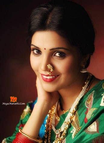 mukta barve marathi actress biography  wiki images