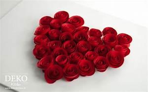 Rose Aus Serviette Drehen : diy s e rosen aus servietten oder papier f r tolle dekos deko kitchen ~ Frokenaadalensverden.com Haus und Dekorationen