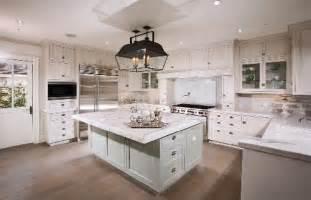 classy coastal look with hton style kitchens
