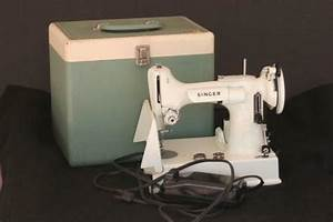 Singer Featherweight Sewing Machine White