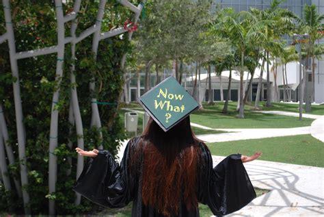 hilariously  graduation caps hannah