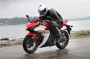 R-rated Beginner Fun  Yamaha R3 Review