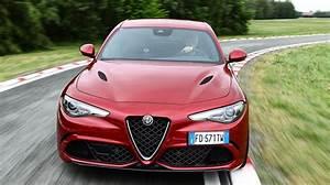 Essai Alfa Romeo Giulia : essai alfa rom o giulia patience r compens e rtl info ~ Medecine-chirurgie-esthetiques.com Avis de Voitures