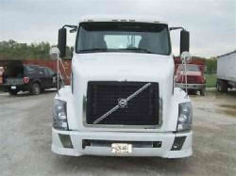 2006 volvo truck volvo vnl 2006 daycab semi trucks