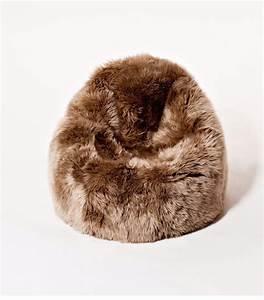 les 25 meilleures idees de la categorie pouf fourrure sur With tapis yoga avec jeté de canapé imitation fourrure