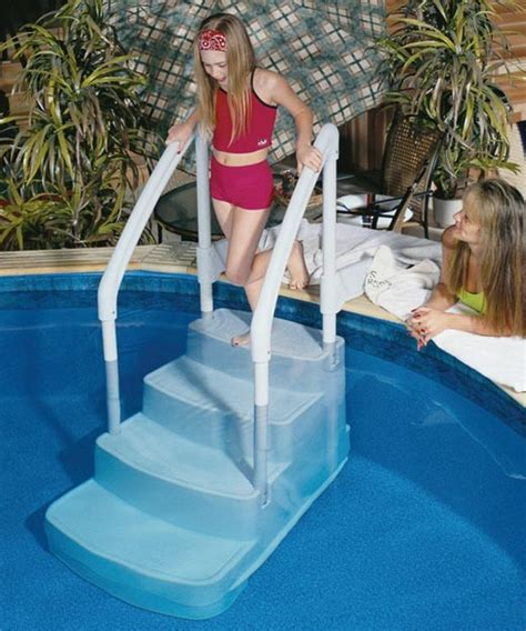 pool für terrasse tiertreppe pool granitplatte terrasse