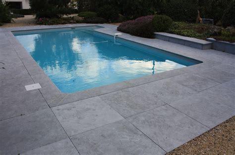 margelle piscine imitation bois margelle bleue chinoise margelle de piscine
