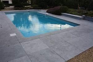 Margelle Piscine Grise : margelle pierre bleue chinoise margelle de piscine ~ Melissatoandfro.com Idées de Décoration