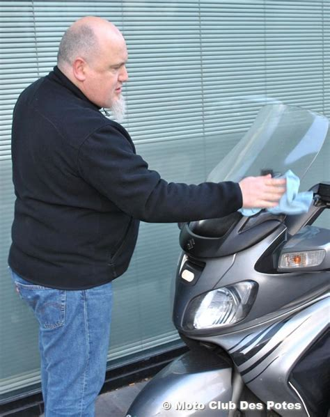 comment nettoyer des sieges en cuir de voiture comment nettoyer bulle moto la réponse est sur admicile fr