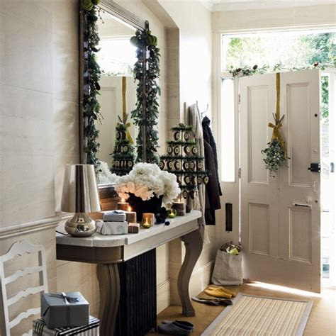 christmas hallway timeless christmas decorating housetohome co uk