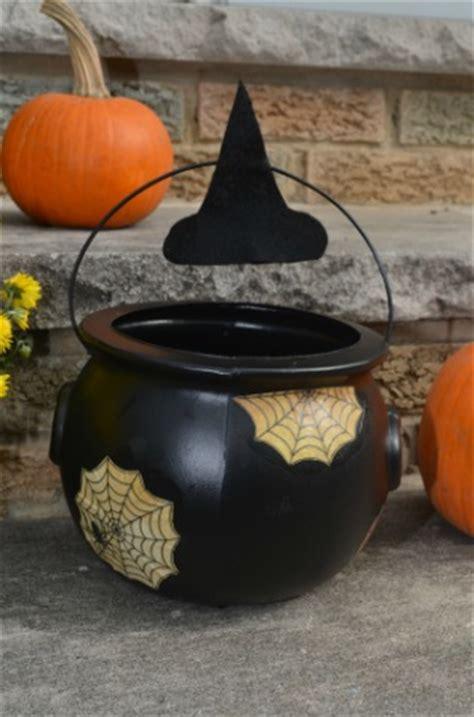 halloween cauldron craft simple play ideas
