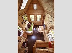 Small House on Wheels – Adorable Home