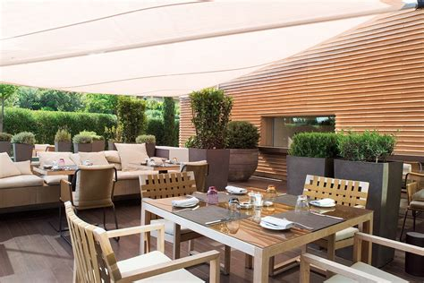 Outdoor Living Room Furniture For Your Patio by Fantastic Outdoor Luxurious Furniture Amaza Design