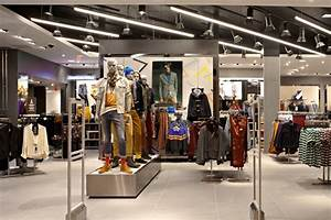 This Week in Fashion: Topshop opens flagship store at ...