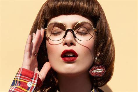 Tips Makeup Mudah Buat Berkacamata