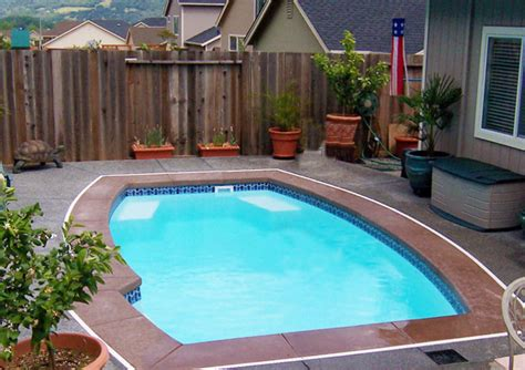 Inground Pools For Small Yards Pictures