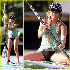 Vanessa Hudgens Show Off Major Paddleboarding Skills In