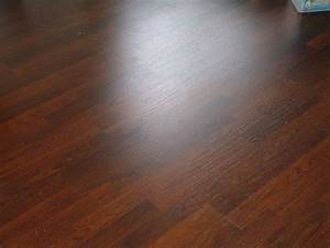 Laminate flooring lowes laminate flooring for How much does lowes charge to install hardwood flooring