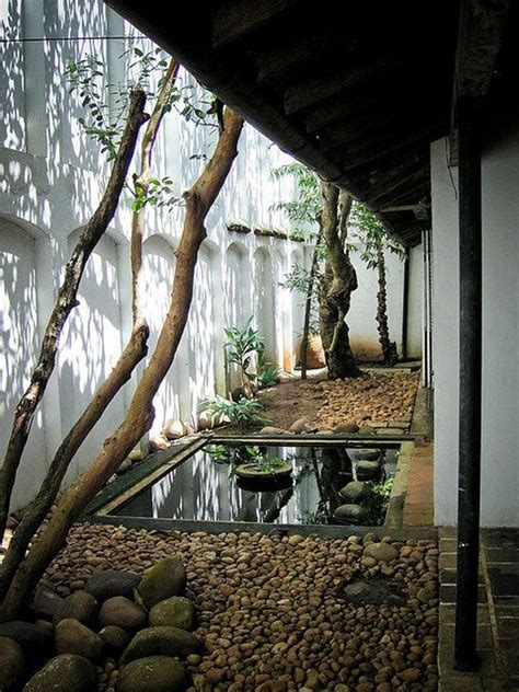 cozy japanese courtyard  small ponds homemydesign