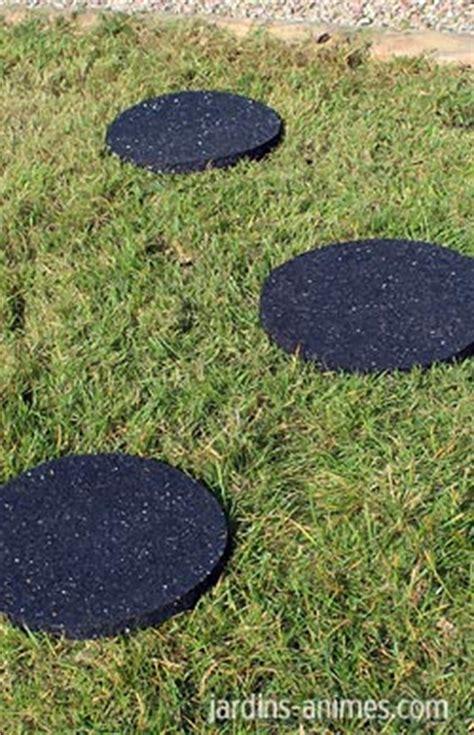 installer des pas japonais dalle ronde caoutchouc recycl 233 all 233 e chemin gravier