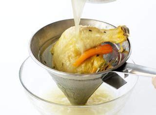come si cucina il brodo come preparare il brodo di pollo guide di cucina