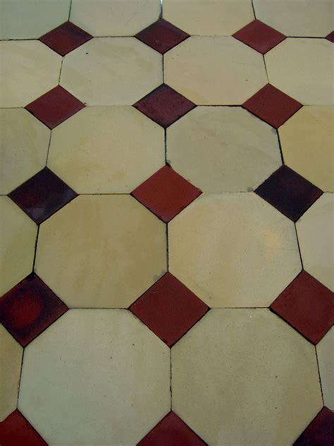 octagon floor tile