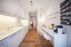 Kleine Schmale Küche Einrichten : wie kann ich eine schmale k che einrichten k chen die du niemals vergessen wirst pinterest ~ Frokenaadalensverden.com Haus und Dekorationen