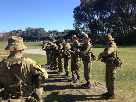 aid  weapons training   ccgs army cadet