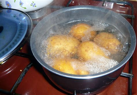 how do you boil potatoes for mashed potatoes the ultimate kitchen hack peel almost everything quickly