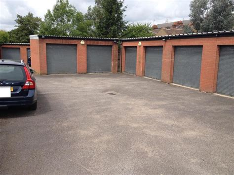 Garage Units For Rent by Secure Garage Units For Rent In West Watford Single