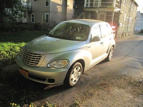 Sell Used 2006 Chrysler Pt Cruiser Touring Wagon 4-door 2