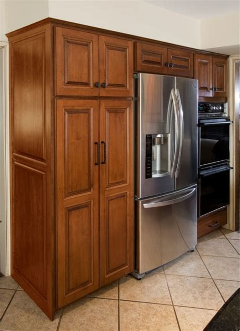 how to refinish maple cabinets 35 best images about refinishing kitchen cabinets on