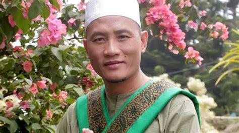 Lagu deddy dores terbaru gratis dan mudah dinikmati. Penyanyi Malaysia dan Alm Deddy Dores Rilis Lagu Religi