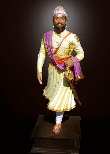 designer statues shivaji maharaj statue  feet