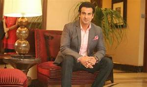 Ronit Roy injured on 'Kaabil' set, undergoes surgery ...