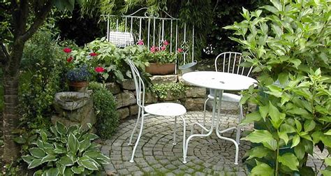 4 easy ways to make your small patio work new homes ideas