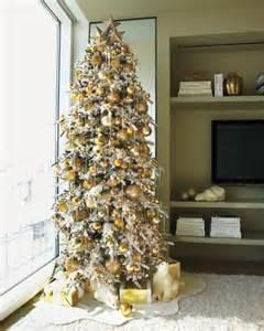 15 creative christmas tree decorating ideas