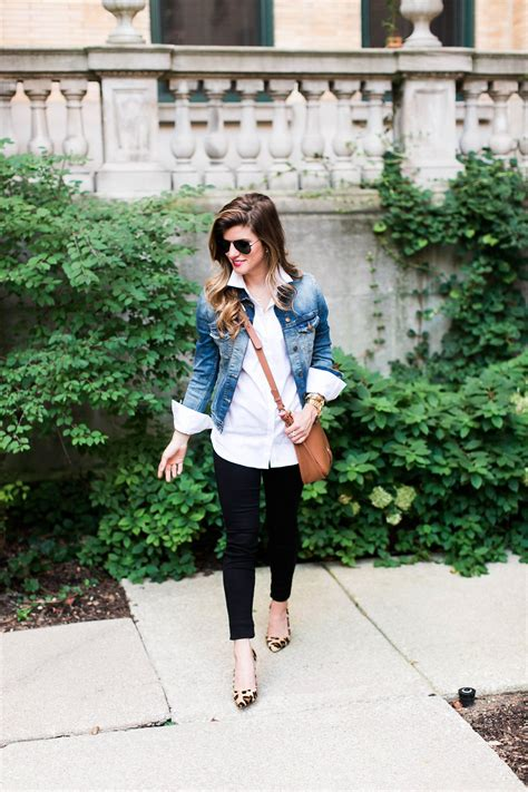 What to Wear with a Jean Jacket - Chic Fall Outfit Combo