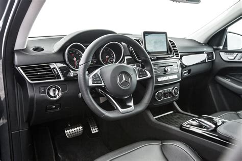 Our comprehensive reviews include detailed ratings on price and features, design, practicality, engine, fuel consumption, ownership, driving & safety. 2016 Mercedes-Benz GLE300d, GLE400, GLE550e Review