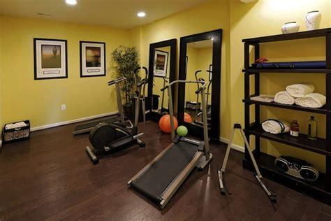 Home Gym Flooring  Decorating  Small  Photos Basement