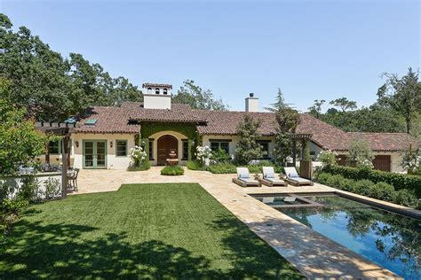entry doors stephen curry 39 s orinda home hits market for 3 9 million