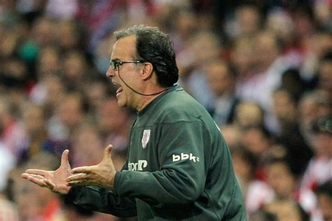 Morning Leeds-in: New Leeds boss Bielsa reportedly given ...