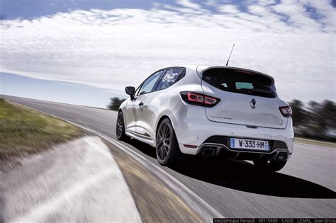 renault launches angry  clio