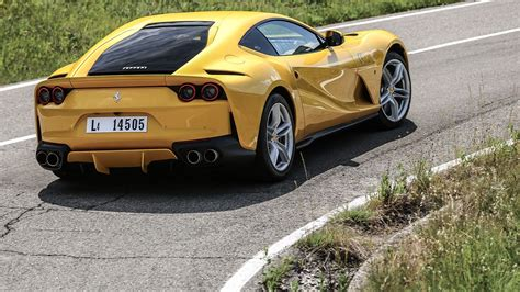 ferrari  superfast  review car magazine