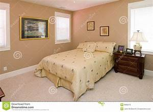 chambre a coucher de corail simple de couleur photo stock With couleur de la chambre a coucher